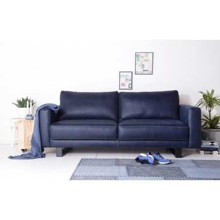 Regina-Sevn-bank-sofa-2-zits-3-4-leder-stof-blokpoot-sledepoot-houtenpoot-gecapitonneerd-modern-landelijk-armleuning-hocker