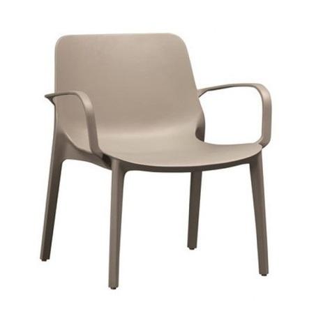 stapelbare-loungestoel-ginevra-zand-taupe-kunststof-loungefauteuil-kuipstoel-armleuning-tuinstoel-terras-balkon-horeca