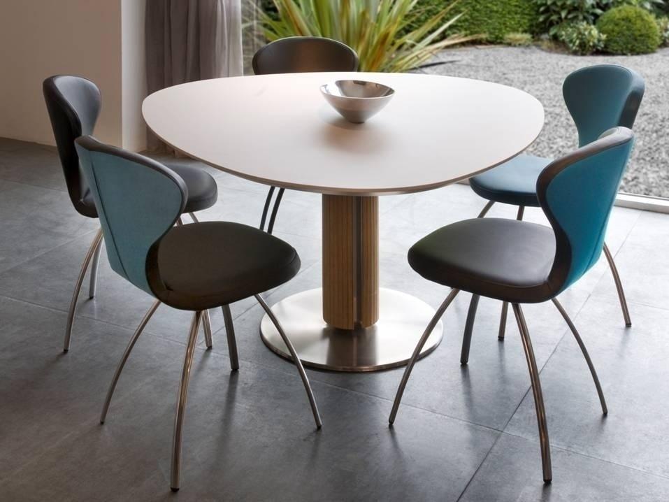 Steely eivormige tafel 148 cm in 3 kleuren