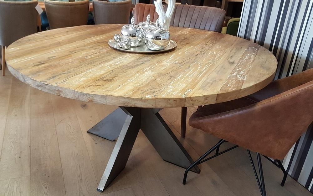Teak Tafels Haarlem : Ronde teakhouten tafel met metalen poot bekijken