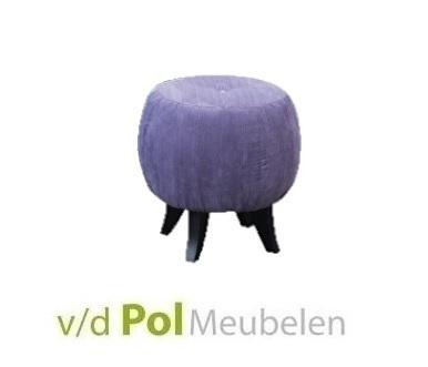 poef-voetenbank-voetensteun-vier-houten-pootjes-koopmans-meubelen-kruk-violet-216-knoop-gecapitonneerd-modern-klassiek-stijlvol-rond-poefje