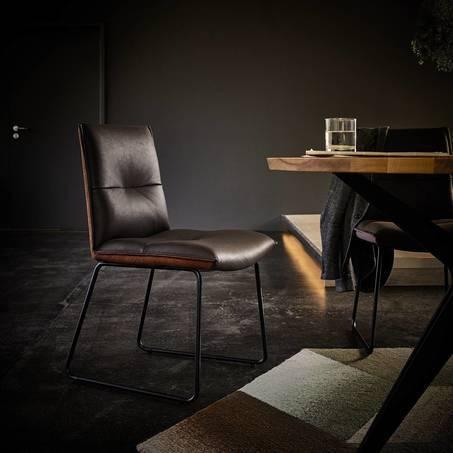 eetkamerstoel-eetstoel-stoel-essay-sledepoot-sledeframe-houten-poot-metaal-stof-leer-modern-hip-design-koinor