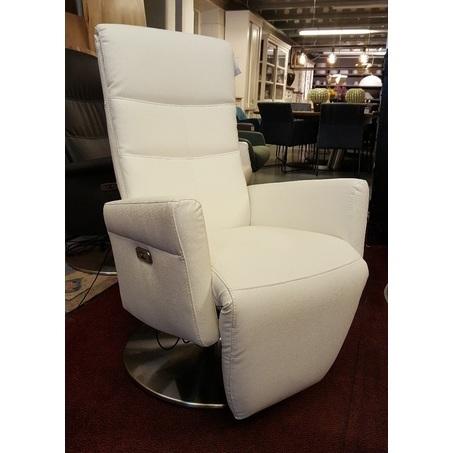 showmodel-verstelbare-relaxfauteuil-wit-leer-automatisch-luxe-fauteuil