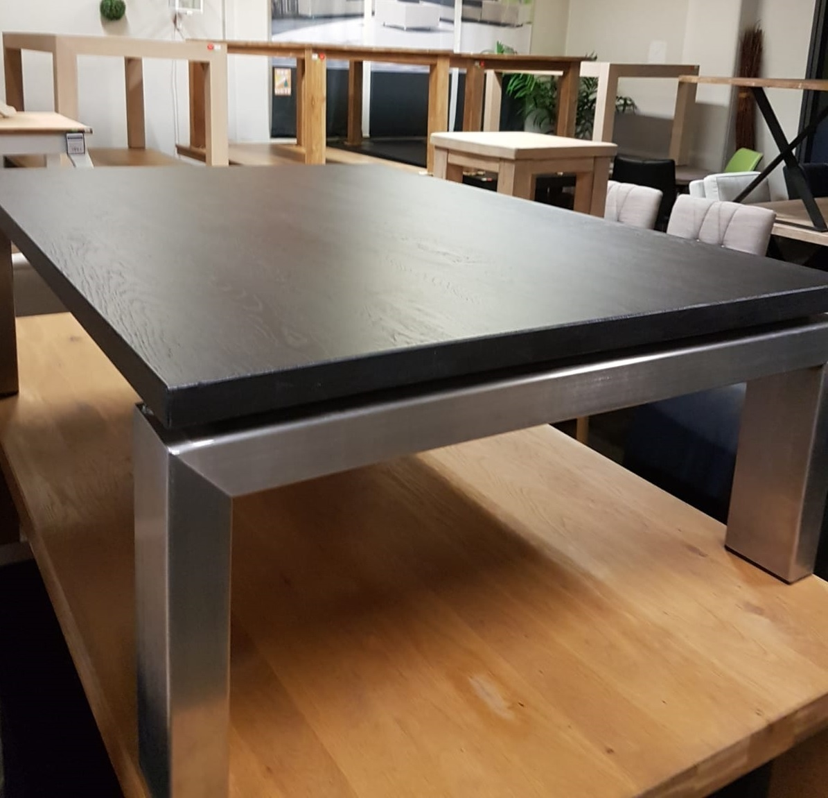 Showmodel 16 salontafel eikenhout 140 cm
