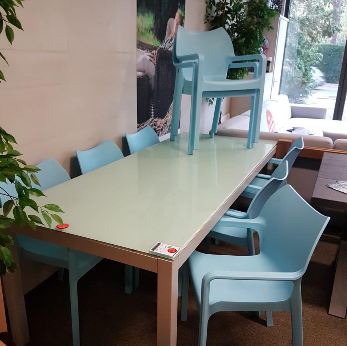 Showset 11 aluminium tafel & 6 stoelen
