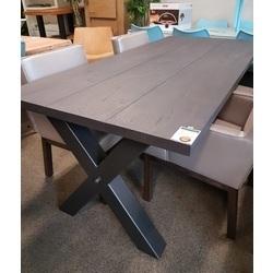 eikentafel-met-metalen-x-poot-220-cm-eikenhout-stoere-tafel-massief-hout-kruispoot-industrieel