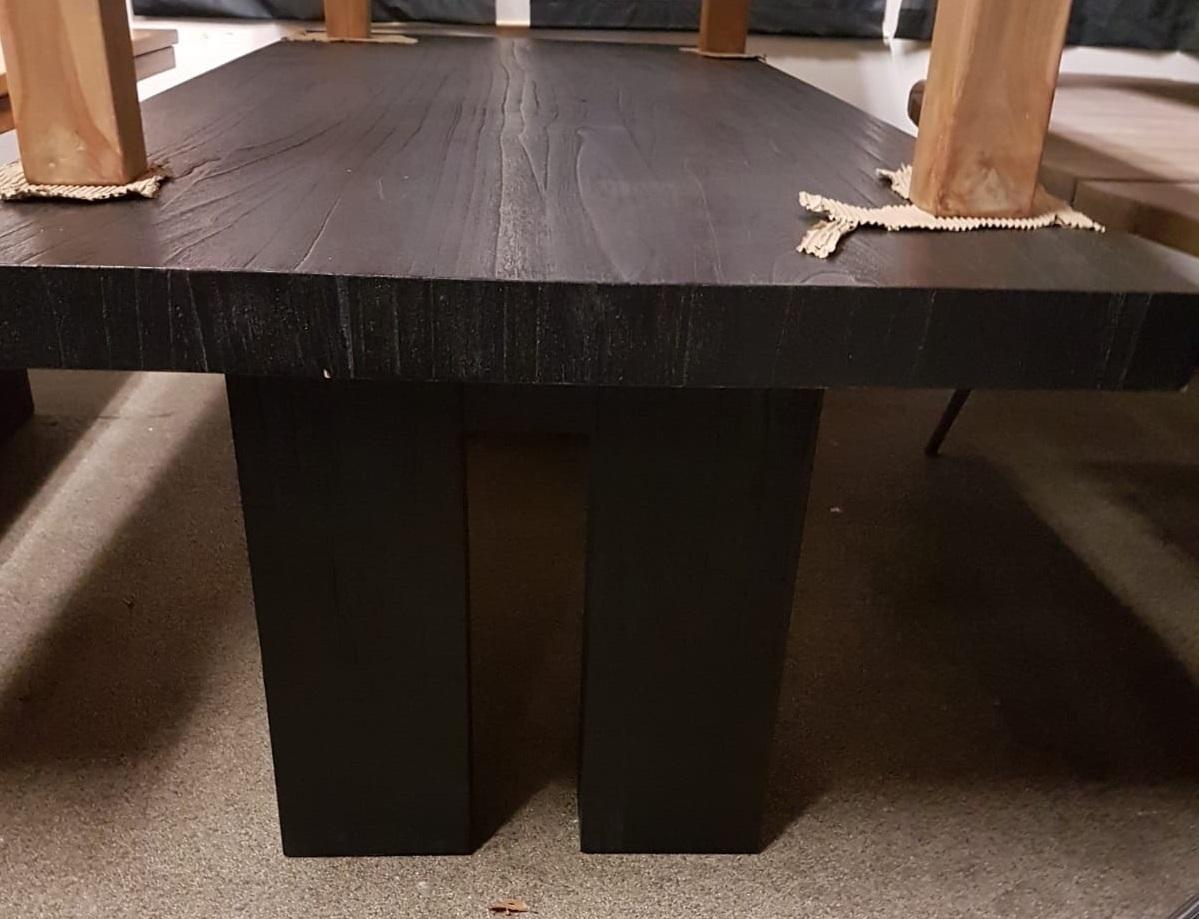 showmodel-zwarte-eikentafel-240-cm-eikenhout-stoere-donkere-tafel