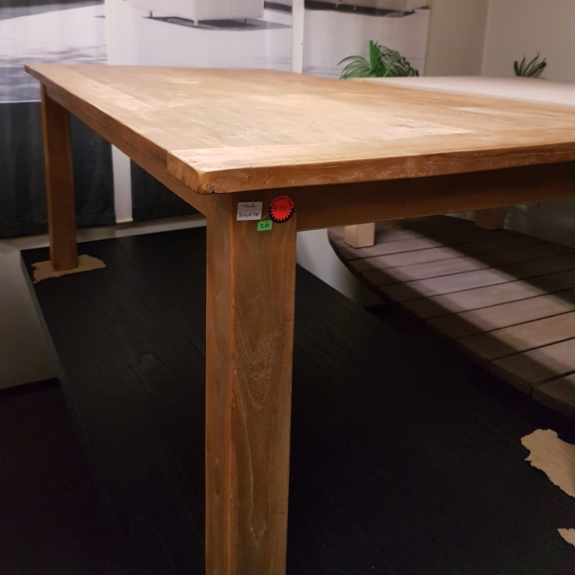 showmodel-oude-teaktafel-200-cm-teakhout-stoer-robuust-warm-hardhout