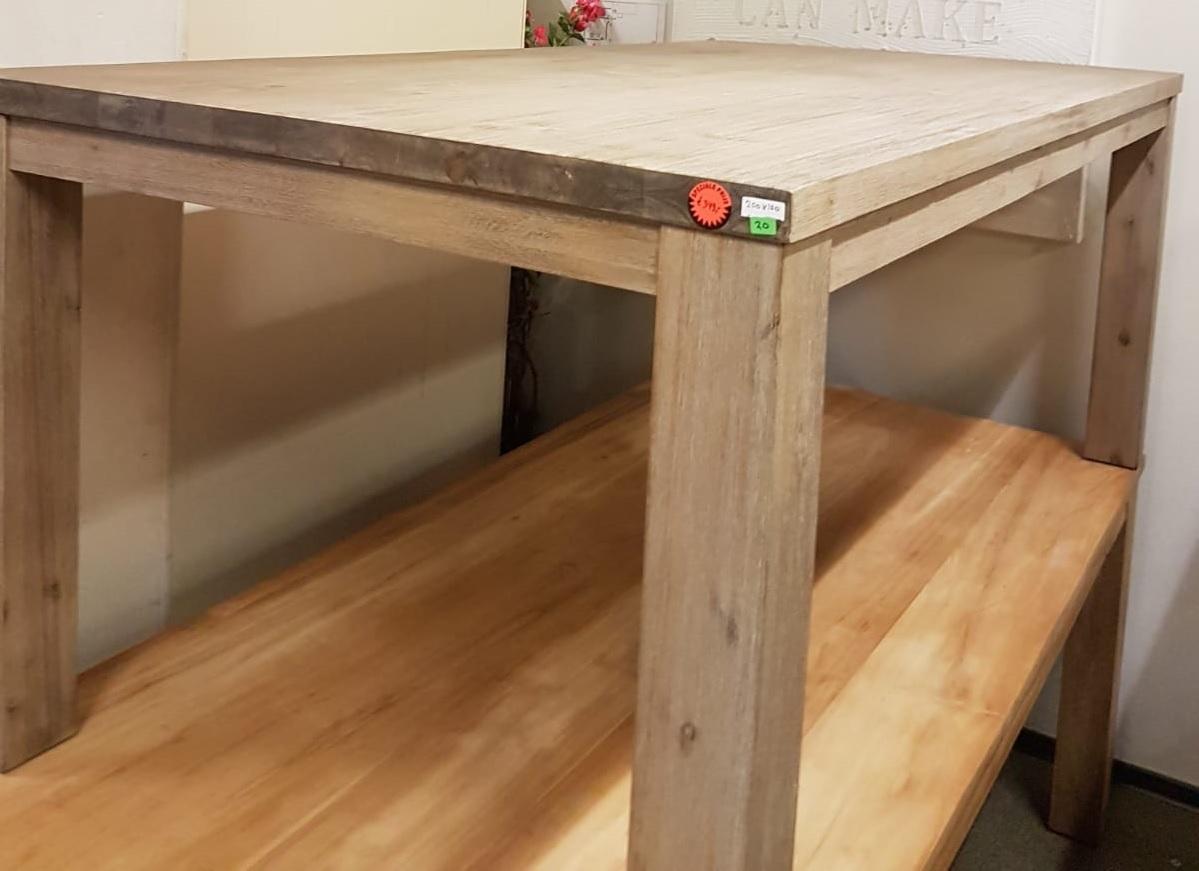 Showmodel 20 houten tafel 200 cm