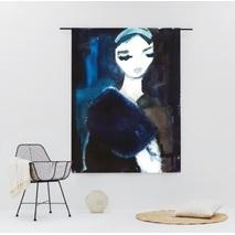Lady in blue wandkleed - 145 x 190 cm (L)