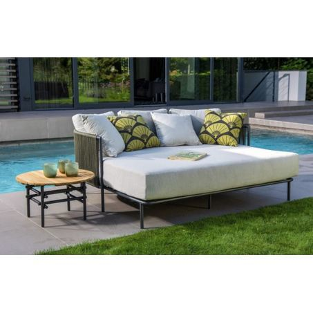 yoi-umi-daybed-tuin-groot
