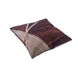 tuin sierkussen wood van yoi outdoor furniture met hout motief