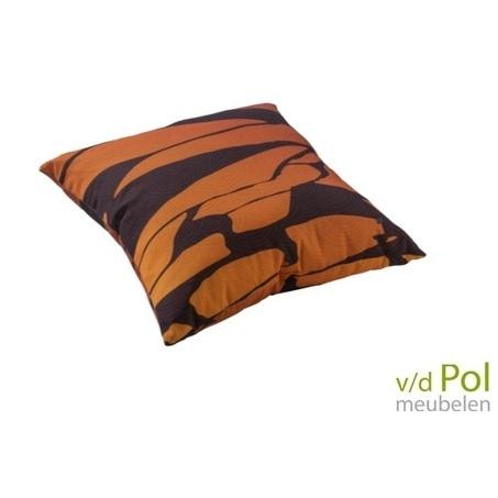 sierkussen-yoi-furniture-mountain-bruin-voor