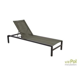 luxe-ligstoel-yuin-ishi-groen-stapelbaar-aluminium-licht-wieltjes-aluminium