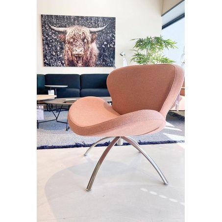 Fauteul slice model in roze stof - Brees New World Peggy lage rug met draaibaar onderstel