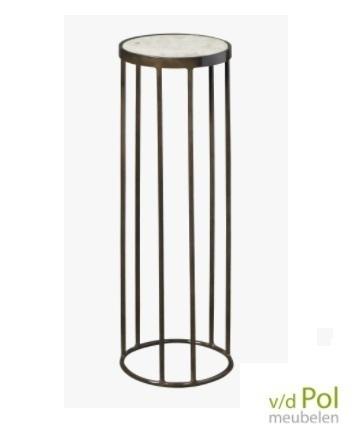 hoge bijzettafel met rond blad van wit marmer en metalen onderstel, mooi als hoge plantentafel!
